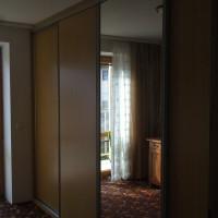 Vestavěná skříň s dveřmi